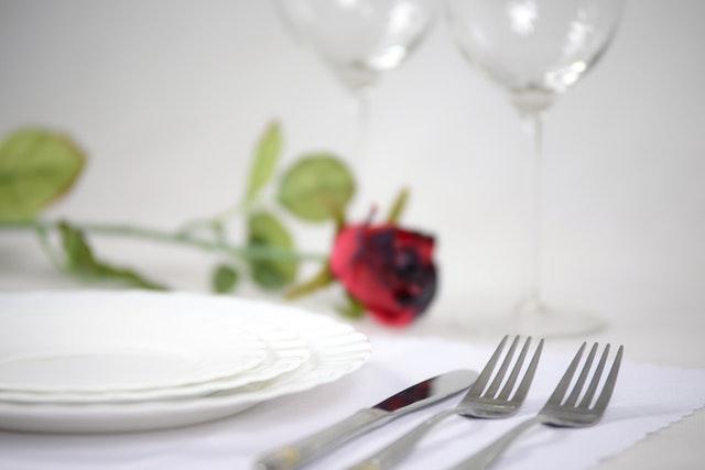 ダイエットは食事の制限が必要?簡単にできて無理のない方法を紹介!の画像