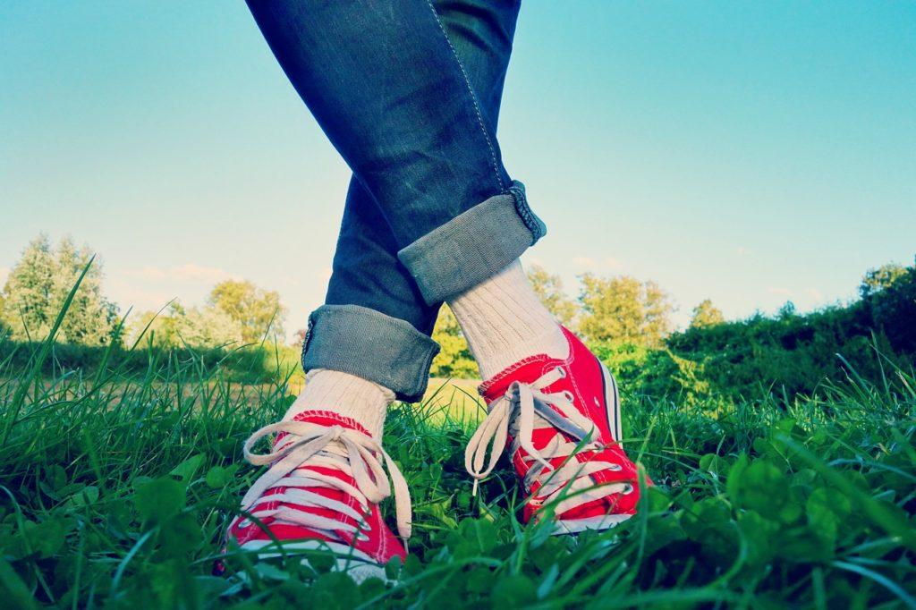 冷え性な足の温め方や効くツボと運動方法の画像