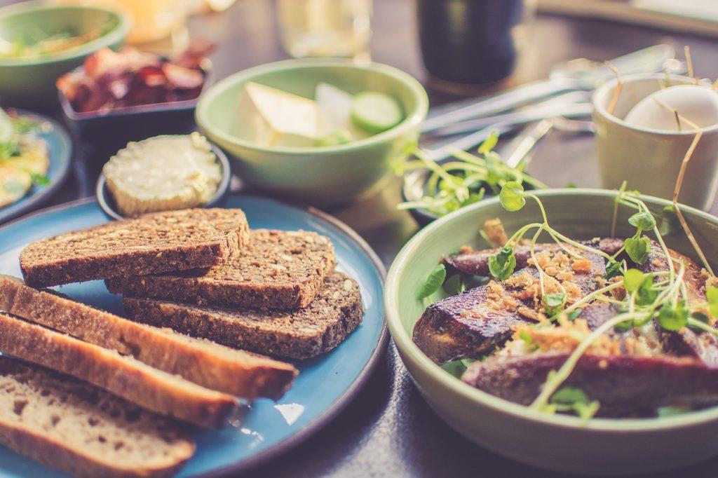 栄養を考えた食事の選び方の画像