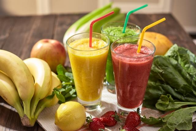 健康には野菜と果物でお手軽スムージー!の画像